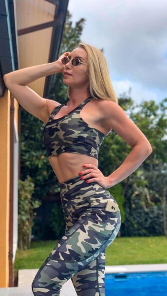 Lavola High Waisted Power-Mesh-Taschen Leggings in Camouflage